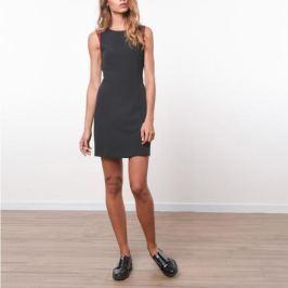 Платье без рукавов с перекрестным вырезом сзади